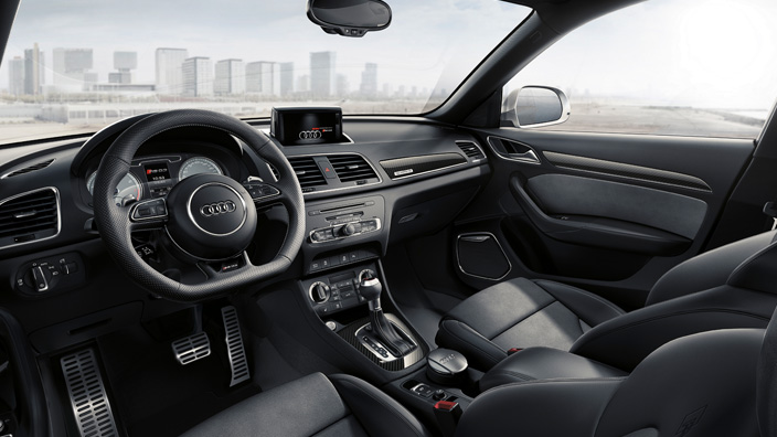 audi rs q3 le premier suv sportif d 39 audi cm prestige. Black Bedroom Furniture Sets. Home Design Ideas