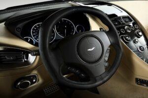 Assurance Aston Martin Vanquish