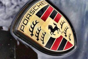 Porsche-330x220