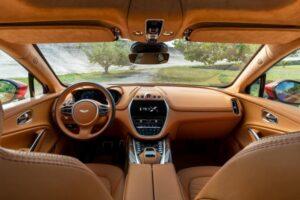 Aston-Martin-DBX-Interieur