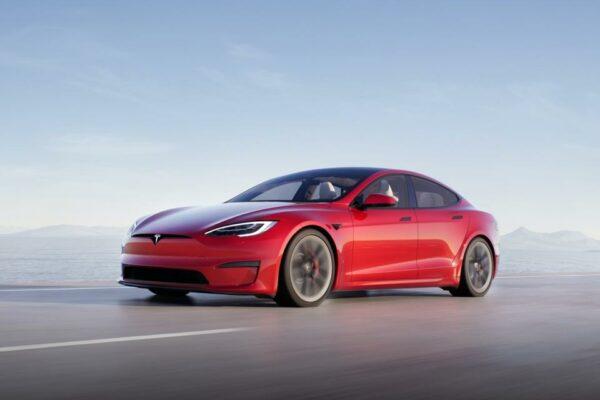 Tesla Model S versions Plaid et Plaid+